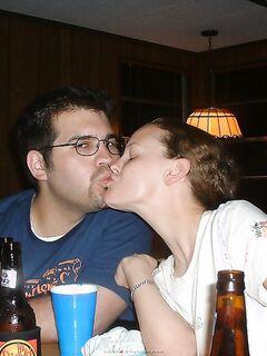Супружеская пара устроили дикие скачки