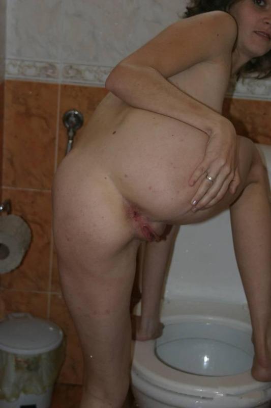 Сисястая мамаша приготовилась к половому акту