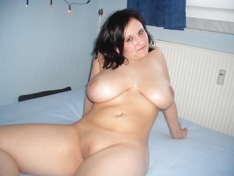 Толстая девушка с большой пятой точкой