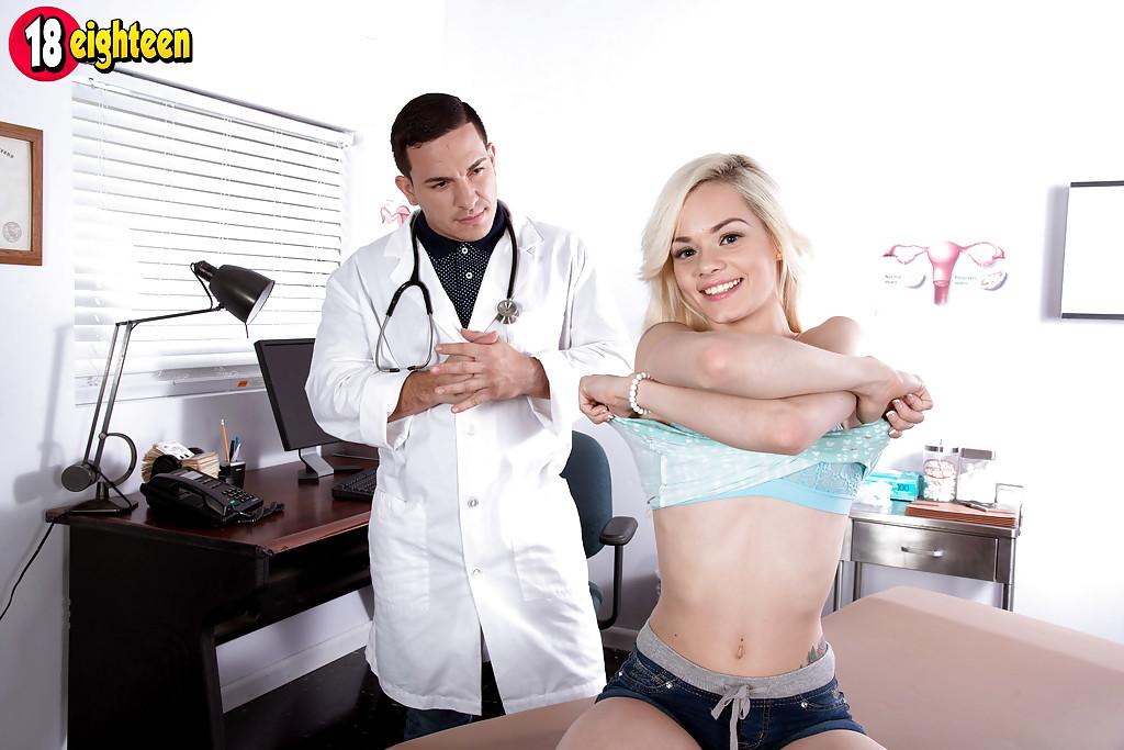Пациентка перпихнулась с симпатичным доктором