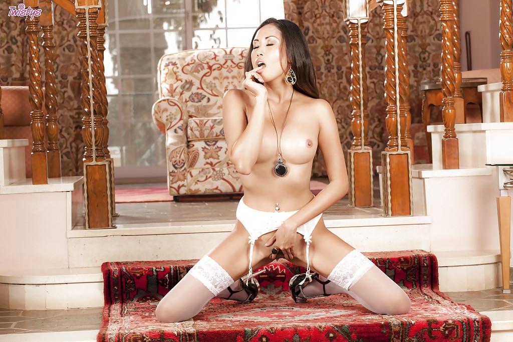 Сексапильная азиатка показа писю